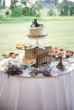 Wedding cake for pet owners  #marylandwedding #farmwedding #summerwedding