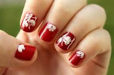 Floral Nail Art Design gives life to your nails. By adding white polish on the tips with flower details on them. Don't forget to add simple stones or glitters or embellishment on top to highlights the details . Natural Nail Designs, White Nail Designs, Fall Nail Designs, Simple Nail Designs, Red Nail Art, Floral Nail Art, Cool Nail Art, Red Nails, Yellow Nails