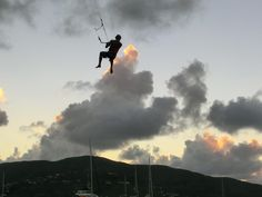 Ross Harte flying around Saba Rock...