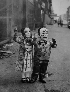 creepy+halloween+photos+retro | Creepy Vintage Halloween Costumes