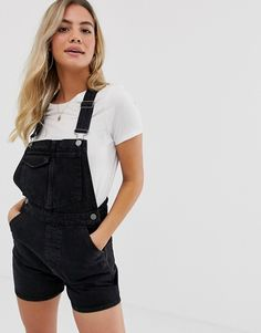 Discover women's jumpsuits & playsuits with ASOS. Shop a range of women's jumpsuits, unitards, rompers and overalls with ASOS. Black Short Overalls, Black Dungarees, Style Salopette, Salopette Short, Jumper Designs, Summer Holiday Outfits, Asos, Overalls Outfit, Vetement Fashion