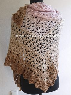 #PATR1089 #Omslagdoek #sjaal #wrap #haakpatroon #patroon #haken #gehaakt #crochet #pattern #shawl #poncho #DIY Patroon (NL) is beschikbaar via: Pattern (English-US) is available at: www.xyracreaties.nl www.ravelry.com/stores/xyra-creaties www.etsy.com/shop/XyraCreaties