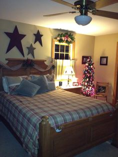 Country Christmas bedroom, Country Christmas decor