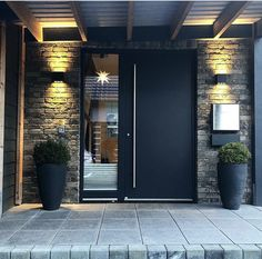 Eingang ⓈⓋⒺⓃⒿⒶ ⓈⓋⒺⓃⒿⒶ, How to avoid foreclosure If you see you maybe heading for trouble, you can ta Modern Entrance Door, Home Entrance Decor, House Entrance, Modern Front Door, Entrance Ideas, Door Ideas, Main Entrance, Garden Stairs, Balcony Garden