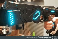Cosplay done right. Lucian's gun is f*cking rad!
