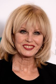 Mature Women Hairstyles, Cool Hairstyles, Joanna Lumley, Layered Bobs, Skin Cream, Glowing Skin, Beautiful People, Hair Cuts, Hair Beauty