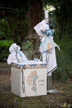 """Σετ βάπτισης για αγόρι λαμπάδα και κουτί μικρός ινδιάνος. Christening set for boys """"little Indian"""" beautiful handpainted wooden box and matching lampada. #baptismset #littleindian #lampades #christeningforboys #greekbaptism"""