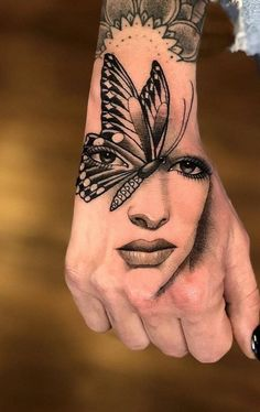 The 100 Best Tattoos in the hands of the internet [Women and Men] Leg Tattoos, Flower Tattoos, Body Art Tattoos, Small Tattoos, Sleeve Tattoos, Cool Tattoos, Full Hand Tattoo, Hand Tattoos For Women, Future Tattoos