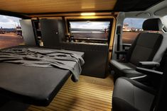 You want to expand your VW bus? Here are some of the best ideas for storage space, bed and instructions to upgrade your or LT or Crafter into a camper van. Turn your Bulli into a cool Vw T5, T3 Vw, Volkswagen, Camping Vans, Van Camping, Truck Camping, Van Conversion Interior, Camper Van Conversion Diy, Transit Camper