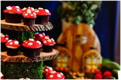 did i tell i'm in love with mushrooms to ahh pretty sure my baby shower will be woodland themed