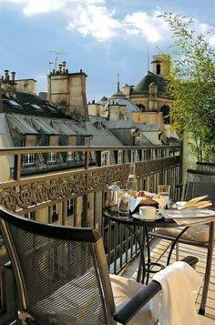 #parisian sunshine...