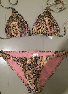 À vendre sur #vintedfrance ! http://www.vinted.fr/mode-femmes/bikinis/28672552-maillot-de-bain-volcom
