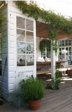 Love the door Outdoor Rooms, Outdoor Gardens, Outdoor Living, Front Porch Flowers, Deck Landscaping, Outdoor Privacy, Garden Spaces, Pool Houses, Outdoor Projects