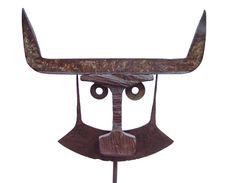 Máscara | 2002 | Metal | 35 x 5 x 135 cm