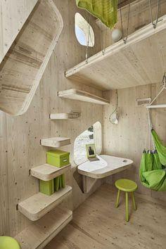 Appartement étudiant,Suède#Le cabinet d'architecture Tengbom a travaillé sur la problématique des logements étudiants dans des espaces réduits. Afin de faciliter le quotidien des étudiants, il fallait concevoir un espace intelligent et respectueux de l'environnement. Ils ont relevé le défit avec un appartement de 10m2 : abordable, durable et confortable. Conçu en bois, il est à la fois esthétique et écologique. Un vrai challenge pour l'avenir!#https://lc.cx/4a4R#Bertil Hertzberg#34,4,7