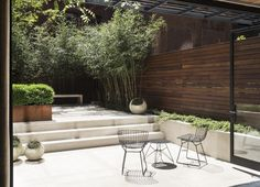 Rooftop garden Pergola - Before & After From Fishbowl Townhouse Garden to Private Oasis, in Manhattan. Townhouse Landscaping, Patio Ideas Townhouse, Townhouse Garden, Modern Townhouse, Porches, Outdoor Rooms, Outdoor Living, Rooftop Garden, Pergola Garden