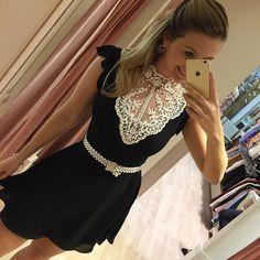 Vestido com o detalhe mais lindo do mundo! De morrer de amores né???! Fica  no corpo! Compre o seu pelo: www.donalollastore.com.br #colecaonova #enviamosparatodobrasil ❤️ boa sexta meninas