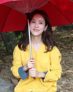 - 그때 그 핫아이템 선풍기 달린 우산☂️ . . #한지민 #hanjimin #ハンジミン #언제든한지민 Han Ji Min, Female Actresses, Ji Sung, Korean Drama, Jimin, Hearts, Celebs, My Style, Hair