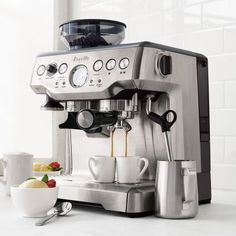 Shop Breville Barista Express Espresso Machine and more from Sur La Table! Espresso Cupcakes, Espresso Brownies, Espresso Martini, Espresso Shot, Best Espresso, Breville Espresso, Espresso Cups, Barista, Breakfast And Brunch