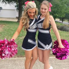 New sport photography cheerleading team pictures ideas Cheerleading Outfits, Cute Cheerleaders, School Cheerleading, Cheerleading Workouts, Cheerleading Pictures, Cheer Outfits, Girl Outfits, High School Cheer, Cheerleader Costume