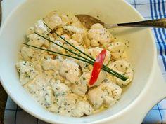 Das perfekte Salat vom Blumenkohl ...-Rezept mit Bild und einfacher Schritt-für-Schritt-Anleitung: Den Blumenkohl in salatgerechte Röschen teilen. Das…