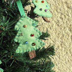 Stromek - ozdobička na stromeček Christmas Ornaments, Holiday Decor, Home Decor, Room Decor, Christmas Baubles, Home Interior Design, Decoration Home, Christmas Decor, Christmas Decorations