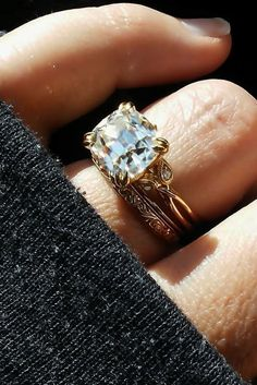 How Are Vintage Diamond Engagement Rings Not The Same As Modern Rings? If you're deciding from a vintage or modern diamond engagement ring, there's a great deal to consider. Beautiful Wedding Rings, Wedding Rings Vintage, Vintage Engagement Rings, Wedding Jewelry, Wedding Set, Vintage Weddings, Country Weddings, Lace Weddings, Most Popular Engagement Rings