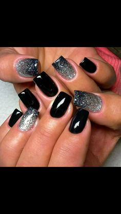 Black nail polish with sparkles Evening dress nails Fashion nails 2016 Glitter nails Gradient nails 2016 Luxurious nails Medium nails Rich nails New Year's Nails, Love Nails, How To Do Nails, Pretty Nails, Hair And Nails, Nails 2016, Nails For New Years, Silver Nail Designs, Simple Nail Art Designs