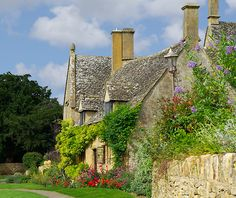ohmybritain:  Chipping Camden, Gloucestershire by Bobrad on Flickr.