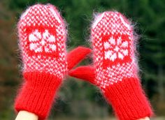 New Hand knit mohair mittens Nordic CHRISTMAS RED fuzzy hand warmers SUPERTANYA #SuperTanya #Mittens