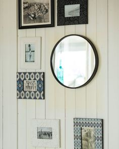 A stylish large round black contemporary wall mirror with a minimal metal frame. With elegant modern styling, this mirror works well anywhere in the home. Large Round Wall Mirror, Black Round Mirror, Wall Mirrors Metal, Mirror With Hooks, Contemporary Wall Mirrors, Round Mirrors, Decorative Mirrors, Contemporary Bedroom, Frames On Wall