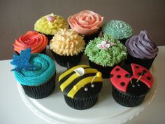 Cakes, Sweet Trees, Birthday Cakes, Sugarcraft and Cake Decorating . Christmas Cupcakes Decoration, Christmas Cake Pops, Holiday Cupcakes, Cupcake Decorations, Dessert Decoration, Dessert Ideas, Bug Cupcakes, Themed Cupcakes, Decorate Cupcakes