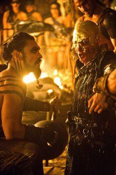 Khal Drogo (Jason Momoa) - Viserys Targaryen III (Harry Lloyd)