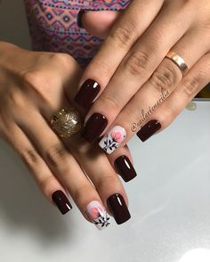 Fotos de Adesivos de unhas com flores Us Nails, Hair And Nails, Elegant Nails, Nail Treatment, Fancy Nails, Cute Nail Designs, Facial Care, Beautiful Nail Art, Eyebrow Makeup