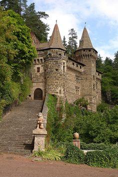 Château de Rochelambert, St-Paulien . Auvergne