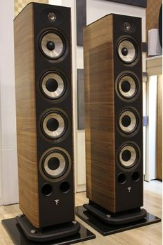 Focal 736 Walnut #Focal Floor Speakers, Floor Standing Speakers, Monitor Speakers, Best Speakers, Audiophile Speakers, Hifi Audio, Audio Speakers, Speaker System, Audio System
