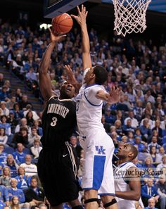 Vandy @ UK  shot blocked by Davis