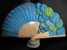 Silvia Ruso Artesanias.: ABANICOS DE DISEÑO Hand Held Fan, Hand Fans, Diy Fan, Antiques, Crafts, Andalucia, Support, Fresco, Ideas