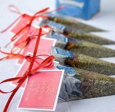 Edible wedding favors - BBQ spice rubs - Party favours, theme, BBQ wedding. $3.25, via Etsy.