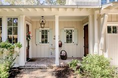 It's been quite a while since I've done some real estate stalking over in Palmetto Bluff, the picturesque Lowcountry community nearBluffton, South Carolina! I was excited to stumble ac…