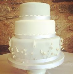 Order your perfect wedding cake from our shop or online. Covering South West London: Clapham, Battersea, Wandsworth, Clapham Junction, Vauxhall and victoria