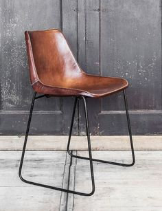 Handgemaakte lederen stoel - Hand made buffalo leather dining chair - #WoonTheater