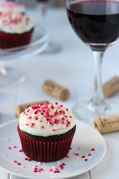 Red Wine Cupcakes //