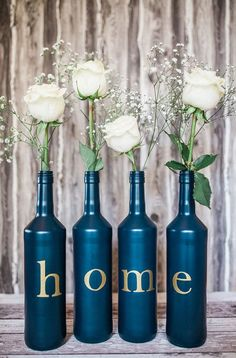 Vases from wine bottles for table decoration / vase made of wine bottles by Bottle & Box via DaW Bottle Box, Diy Bottle, Wine Bottle Crafts, Decor Crafts, Diy Home Decor, Diy Crafts, Deco Floral, Bottles And Jars, Diy Table