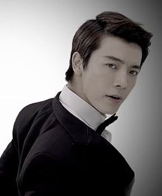 """Donghae has a very mature look in """"SPY""""."""