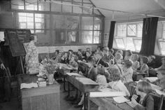 Let's not use 21st century technology with 19th century pedagogy -- Technology may be changing but classrooms and teaching methods are pretty much unchanged since this picture was taken (Creative Commons image)