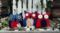 Primitive HOOT OWL trio Patriot USA bowl fillers wool and vintage buttons Primitive Pillows, Bowl Fillers, Vintage Buttons, July 4th, Memorial Day, Hand Sewing, Embellishments, My Design, Wool