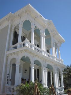 Victorian Home in Galveston Island, Texas. Beautiful large porches, and beautiful light blue and white. Victorian Porch, Victorian Style Homes, Victorian Cottage, Victorian Era, Victorian Houses, Vintage Houses, Victorian Ladies, Victorian Architecture, Beautiful Architecture