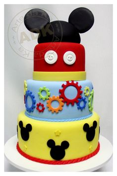 mickey mouse cake - minus the blue layer Bolo Mickey E Minnie, Fiesta Mickey Mouse, Mickey Mouse Bday, Mickey Mouse Clubhouse Birthday Party, Mickey Cakes, Minnie Mouse Cake, Mickey Mouse Parties, Mickey Birthday, Mickey Party