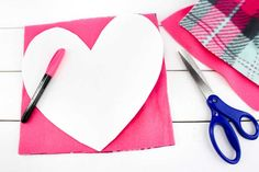These valentine pillows are so easy to make! They use the classic summer camp fleece tie pillows method and are the perfect Valentine's Day crafts for tweens and big kids. Valentine Crafts For Kids, Valentines Day Hearts, Valentines Diy, Crafts For Teens, Valentine Treats, Summer Crafts, Easter Crafts, Kids Crafts, Tie Pillows
